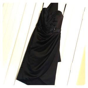Moro Lee black cocktail dress and shawl